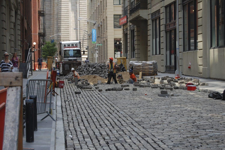NYC restaure les Belgian block streets !