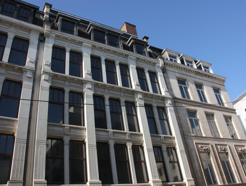HUB : Les Monuments et Sites veulent la démolition d'une façade de Paul Saintenoy !
