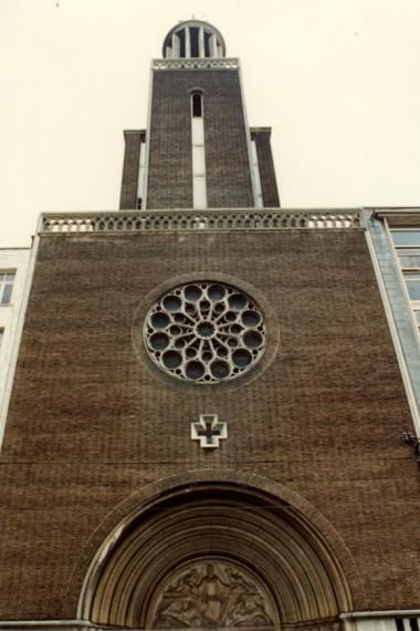 Eglise du Gesù : le landerneau politique bruxellois s'empresse de cirer les bottes du promoteur qui a fauté