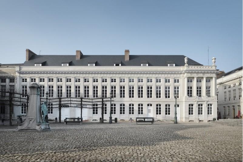 Réaménagement de la Place des Martyrs, nouvel écrin pour un hôtel fantôme